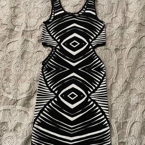 Bebe dress M/L black white bodycon